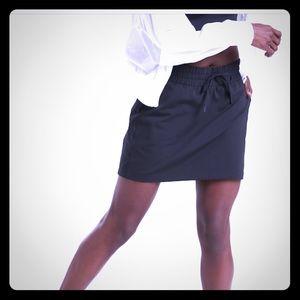Athleta excursion hybrid skirt ( new ) - small